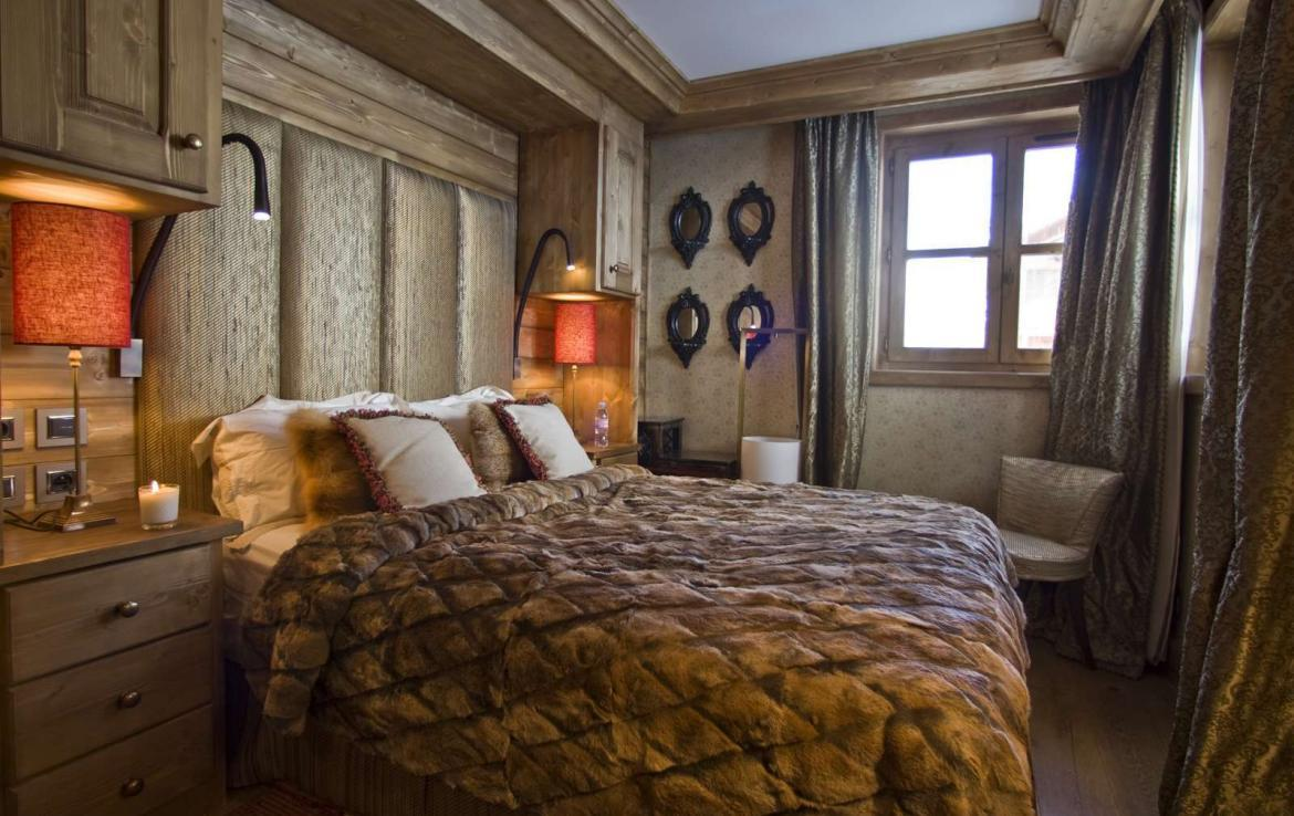 Kings-avenue-courchevel-hifi-wifi-satellite-jacuzzi-hammam-childfriendly-parking-cinema-boot-heaters-fireplace-ski-in-ski-out-massage-table-area-courchevel-094-4