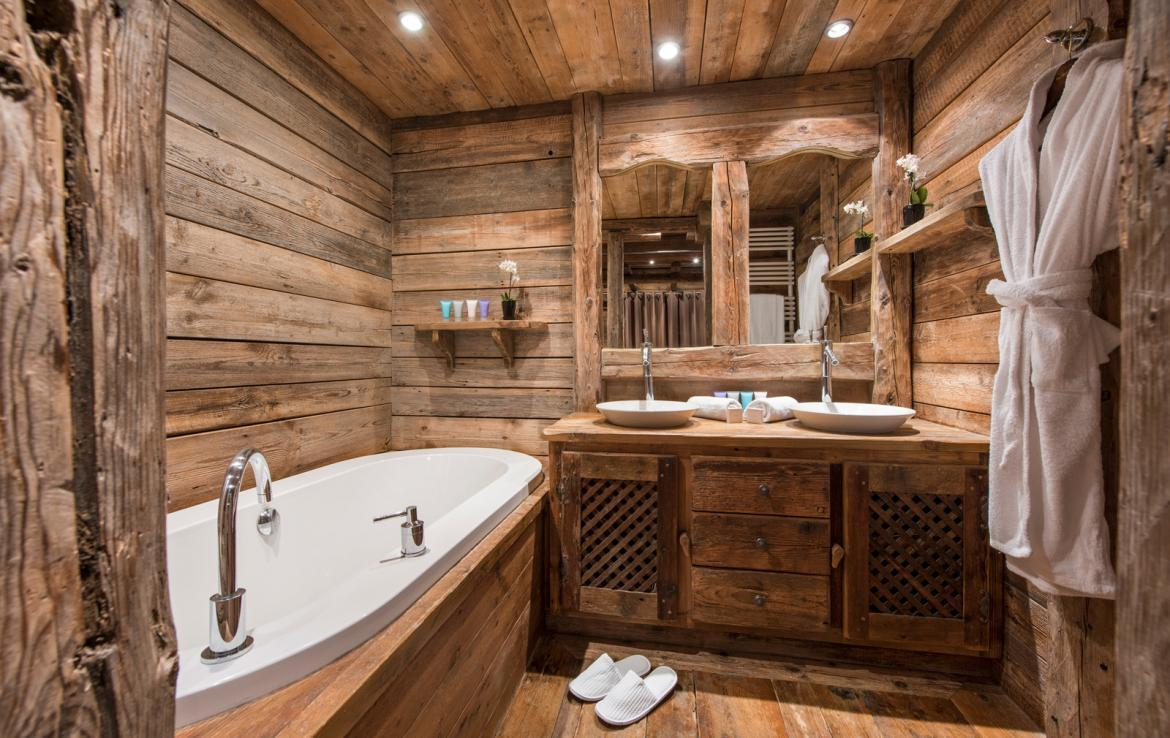 Kings-avenue-courchevel-jacuzzi-hammam-boot-heaters-fireplace-welness-area-close-proximity-to-slopes-area-courchevel-029-13