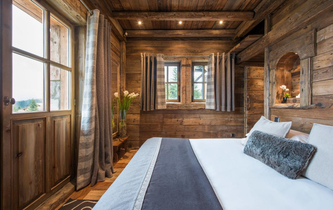 Kings-avenue-courchevel-jacuzzi-hammam-boot-heaters-fireplace-welness-area-close-proximity-to-slopes-area-courchevel-029-17