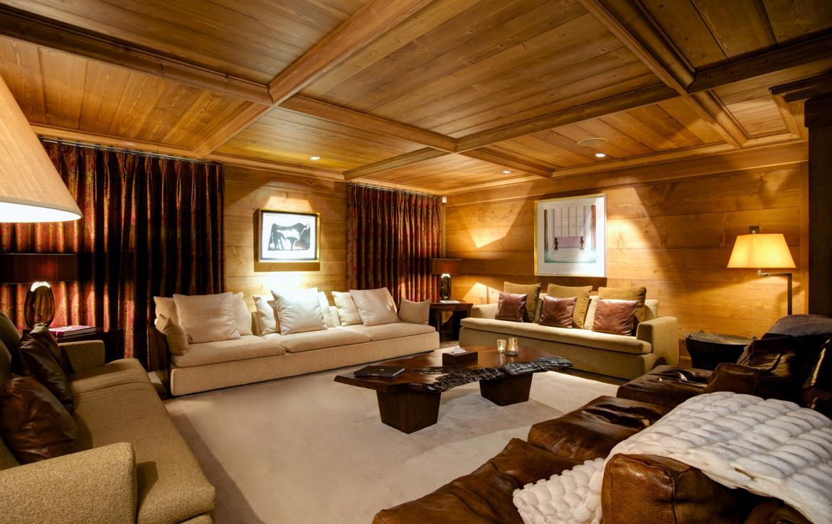 Kings-avenue-courchevel-jacuzzi-hammam-childfriendly-parking-cinema-boot-heaters-fireplace-ski-in-ski-out-massage-room-lift-balconies-area-courchevel-016