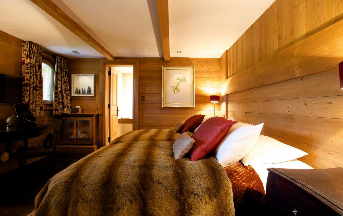 Kings-avenue-courchevel-jacuzzi-hammam-childfriendly-parking-cinema-boot-heaters-fireplace-ski-in-ski-out-massage-room-lift-balconies-area-courchevel-016-14