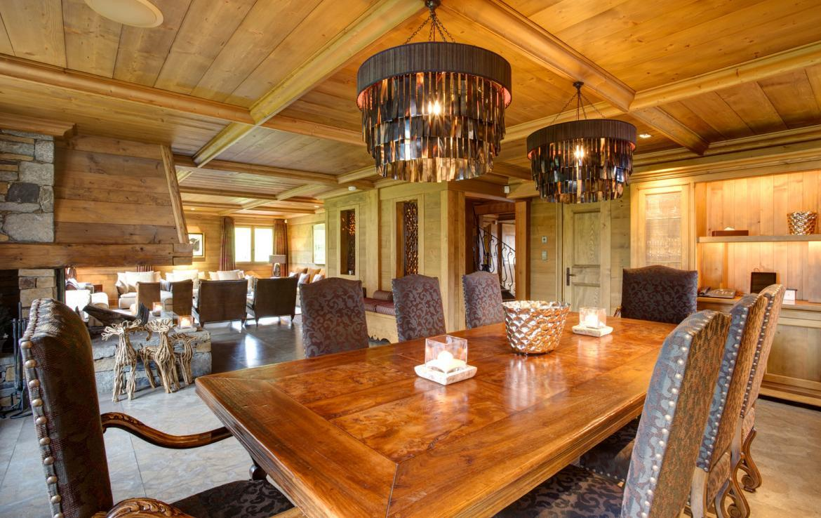 Kings-avenue-courchevel-jacuzzi-hammam-childfriendly-parking-cinema-boot-heaters-fireplace-ski-in-ski-out-massage-room-lift-balconies-area-courchevel-016-2