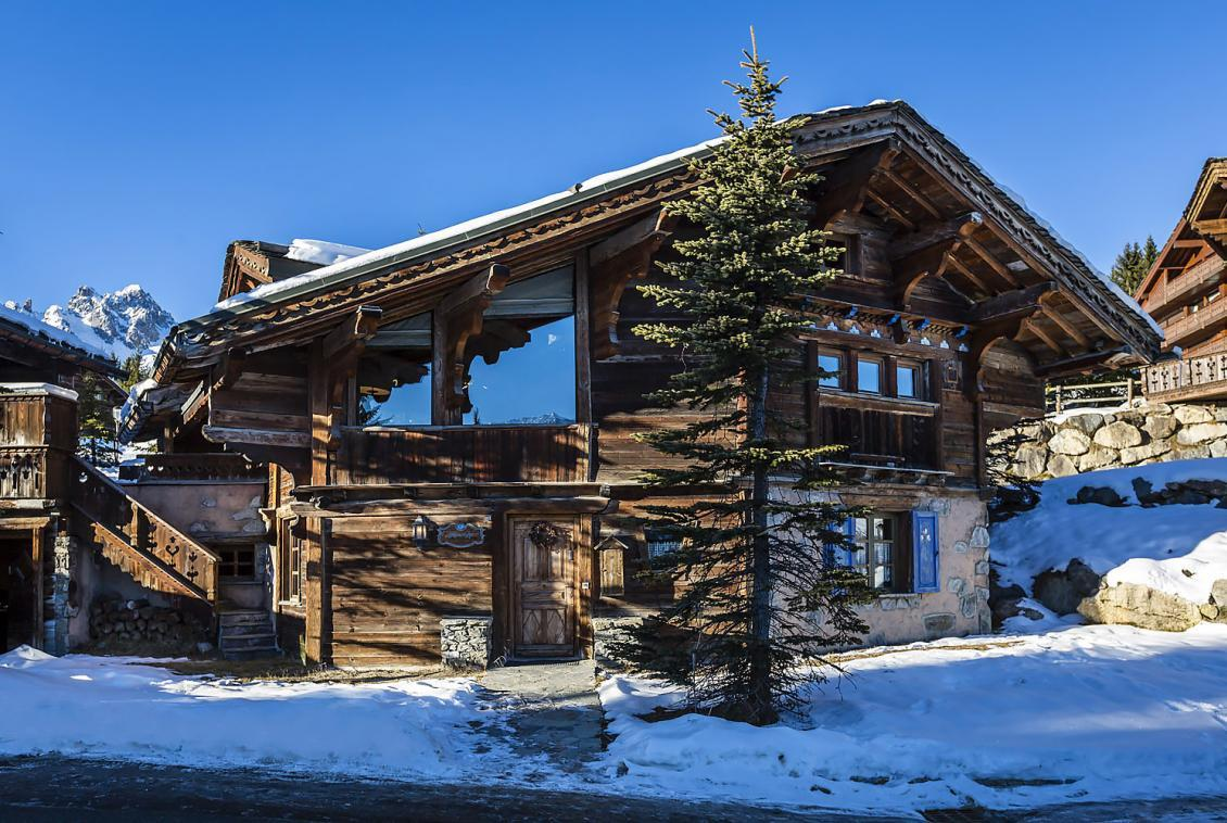 Kings-avenue-courchevel-jacuzzi-hammam-childfriendly-parking-kids-playroom-boot-heaters-fireplace-relaxation-area-area-courchevel-096