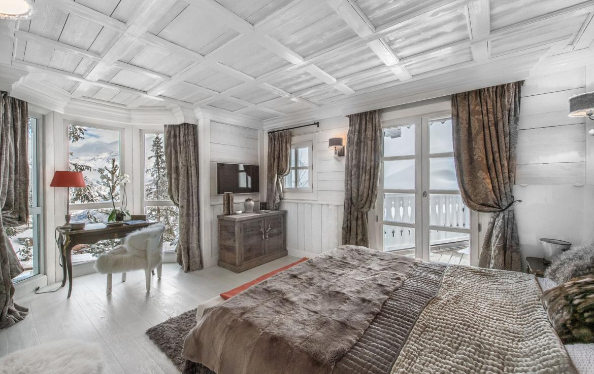 Kings-avenue-courchevel-jacuzzi-hammam-swimming-pool-childfriendly-parking-boot-heaters-fireplace-bar-lounge-massage-room-fitness-room-area-courchevel-027-10