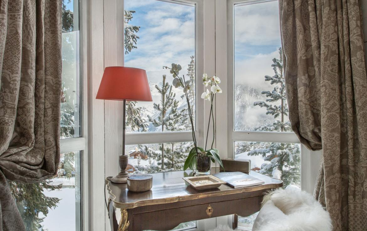 Kings-avenue-courchevel-jacuzzi-hammam-swimming-pool-childfriendly-parking-boot-heaters-fireplace-bar-lounge-massage-room-fitness-room-area-courchevel-027-11