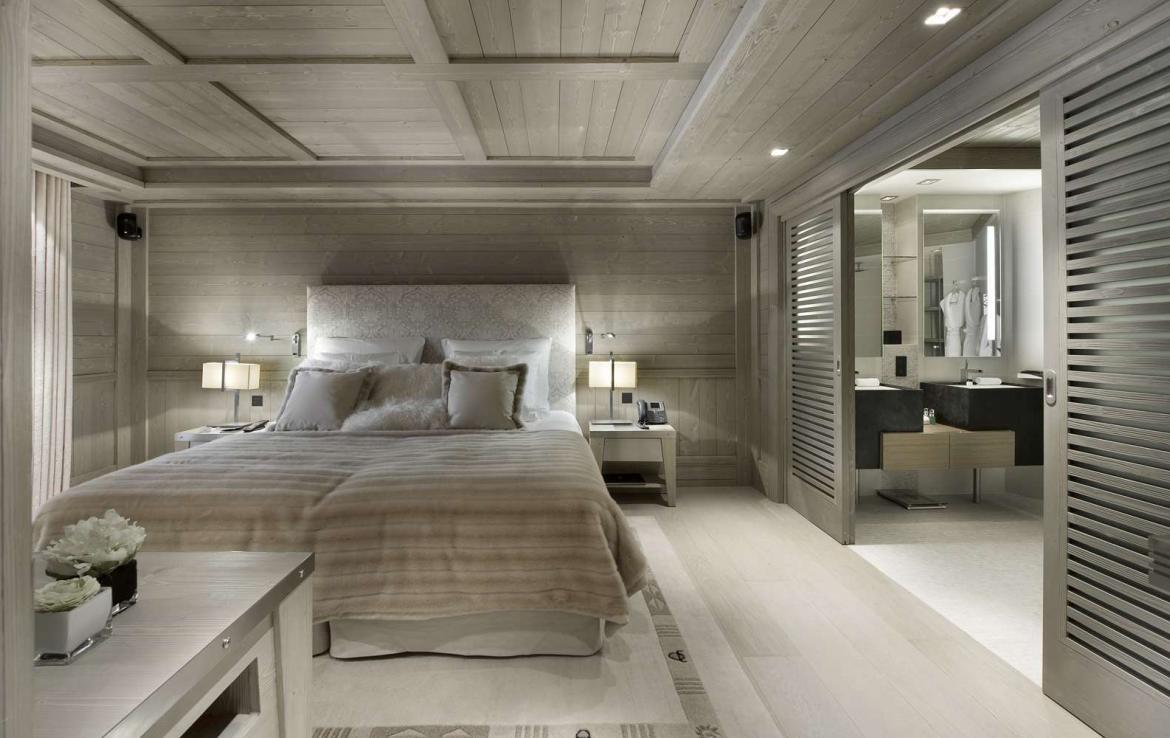 Kings-avenue-courchevel-jacuzzi-hammam-swimming-pool-childfriendly-parking-boot-heaters-fireplace-ski-in-ski-out-wine-cellar-area-courchevel-023-12