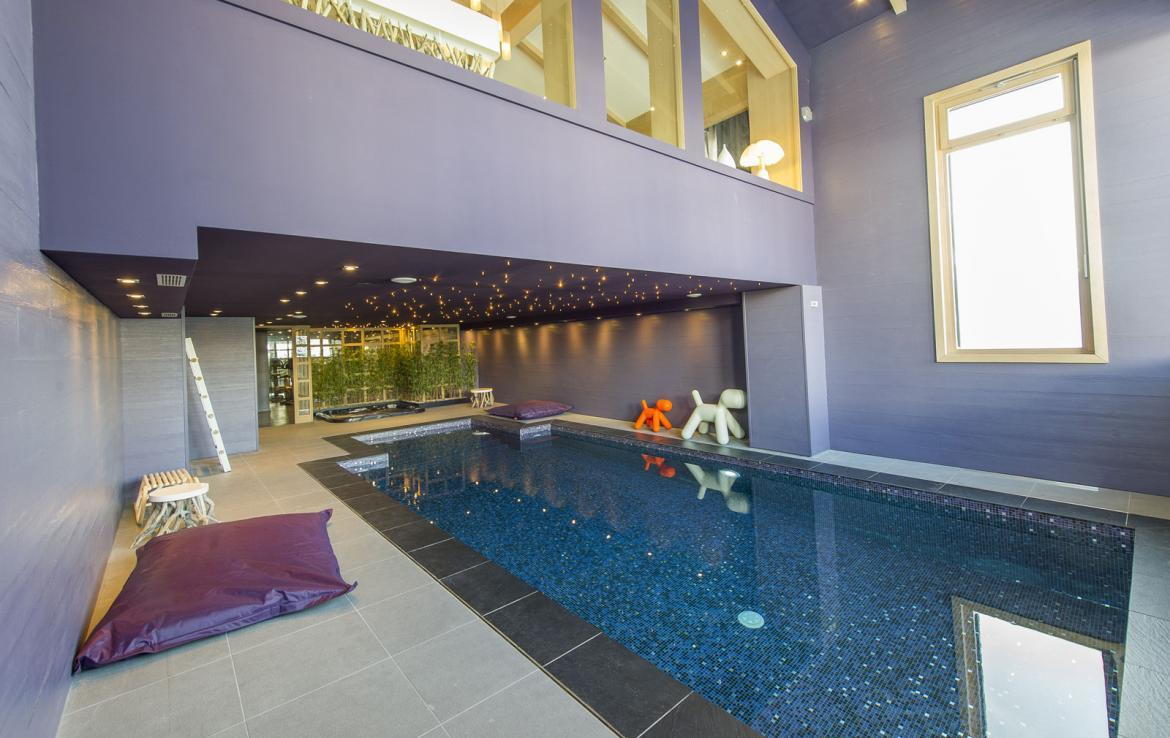 Kings-avenue-courchevel-jacuzzi-hammam-swimming-pool-childfriendly-parking-cinema-kids-playroom-games-room-gym-boot-heaters-ski-in-ski-out-area-courchevel-001-10