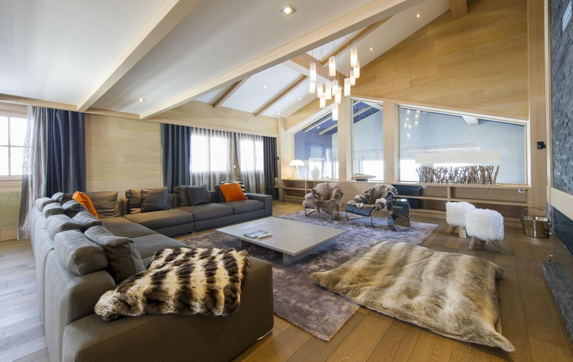 Kings-avenue-courchevel-jacuzzi-hammam-swimming-pool-childfriendly-parking-cinema-kids-playroom-games-room-gym-boot-heaters-ski-in-ski-out-area-courchevel-001-4