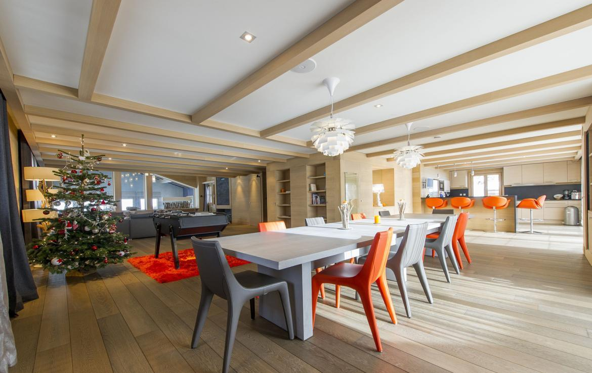 Kings-avenue-courchevel-jacuzzi-hammam-swimming-pool-childfriendly-parking-cinema-kids-playroom-games-room-gym-boot-heaters-ski-in-ski-out-area-courchevel-001-6