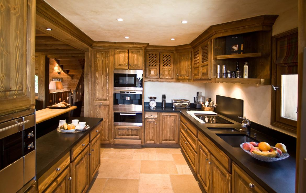 Kings-avenue-courchevel-sauna-childfriendly-parking-boot-heaters-fireplace-ski-in-ski-out-terrace-mountain-views-area-courchevel-032-6