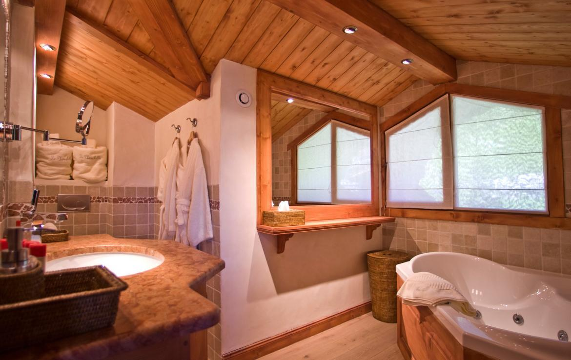 Kings-avenue-courchevel-sauna-childfriendly-parking-boot-heaters-fireplace-ski-in-ski-out-terrace-mountain-views-area-courchevel-032-8