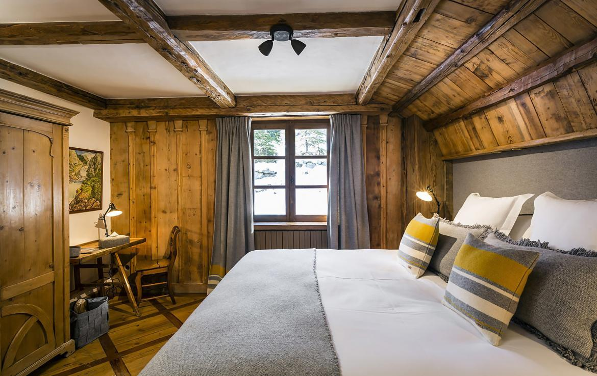 Kings-avenue-courchevel-sauna-hammam-swimming-pool-childfriendly-parking-boot-heaters-fireplace-mezzanine-tv-videos-area-courchevel-025-17