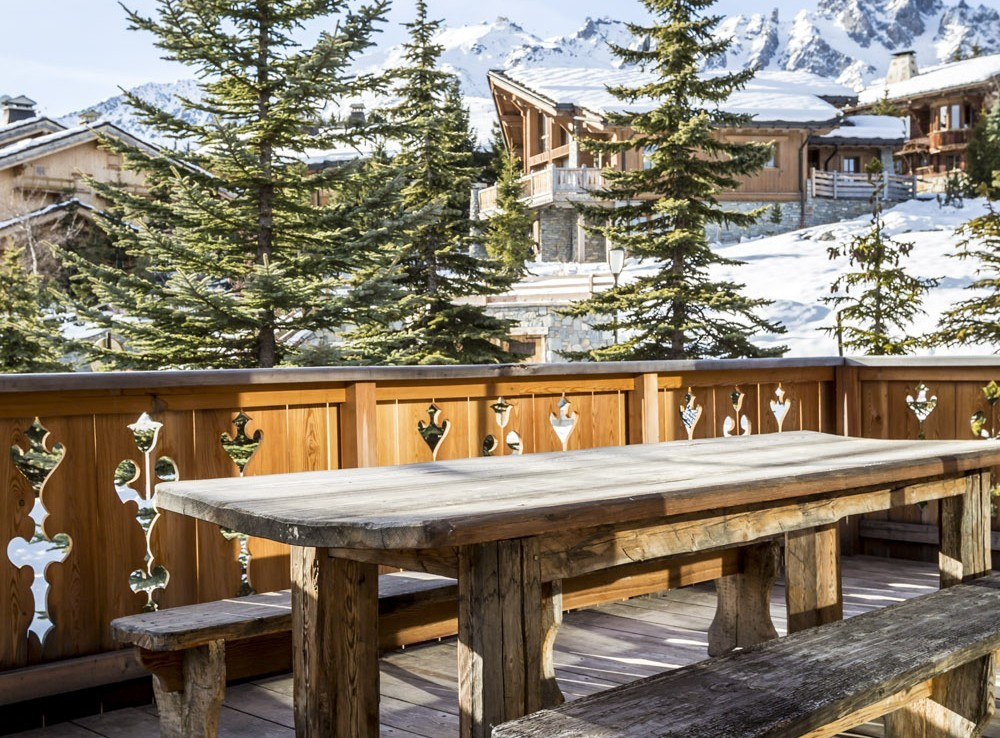 Kings-avenue-courchevel-sauna-hammam-swimming-pool-childfriendly-parking-boot-heaters-fireplace-mezzanine-tv-videos-area-courchevel-025-23