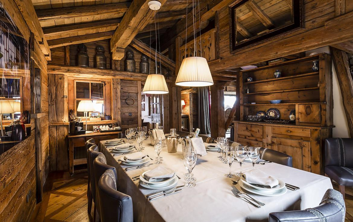 Kings-avenue-courchevel-sauna-hammam-swimming-pool-childfriendly-parking-boot-heaters-fireplace-mezzanine-tv-videos-area-courchevel-025-9