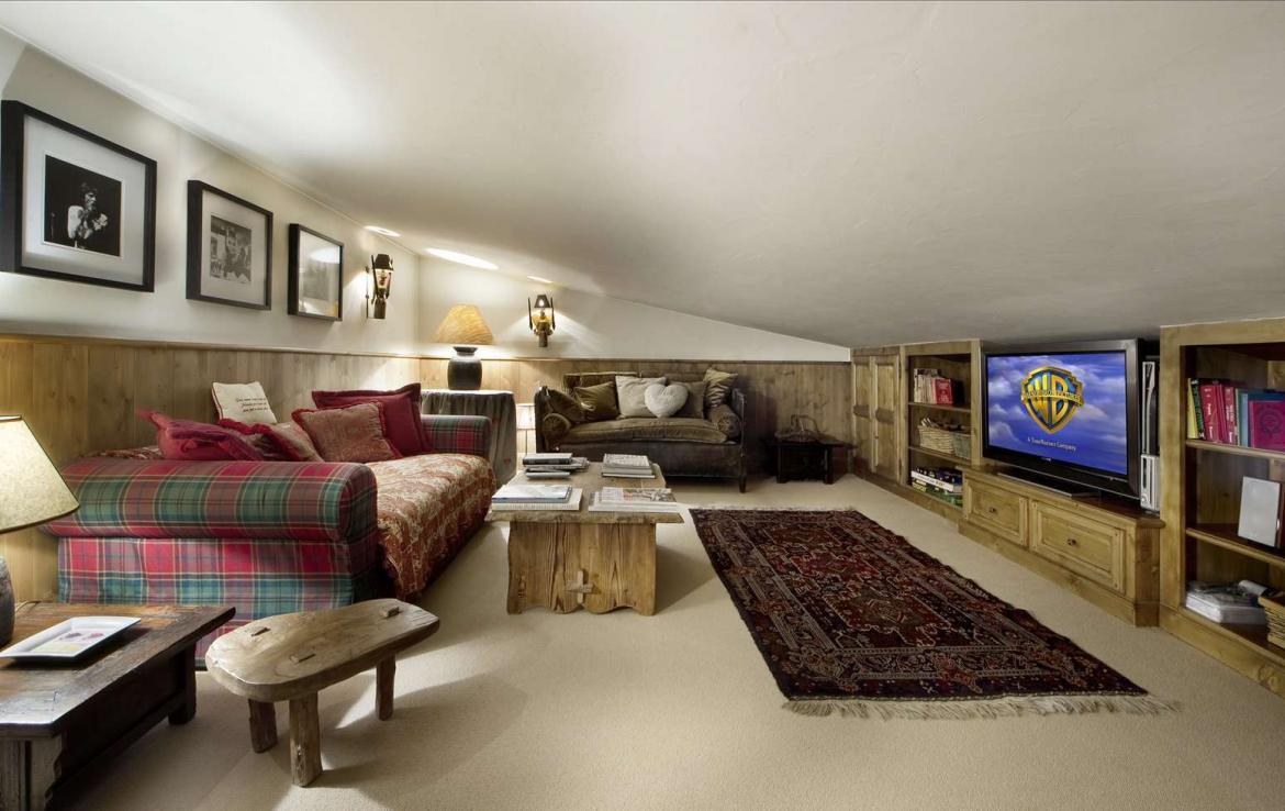 Kings-avenue-courchevel-sauna-hammam-swimming-pool-childfriendly-parking-cinema-kids-playroom-games-boot-heaters-fireplace-ski-in-ski-out-area-courchevel-089-9