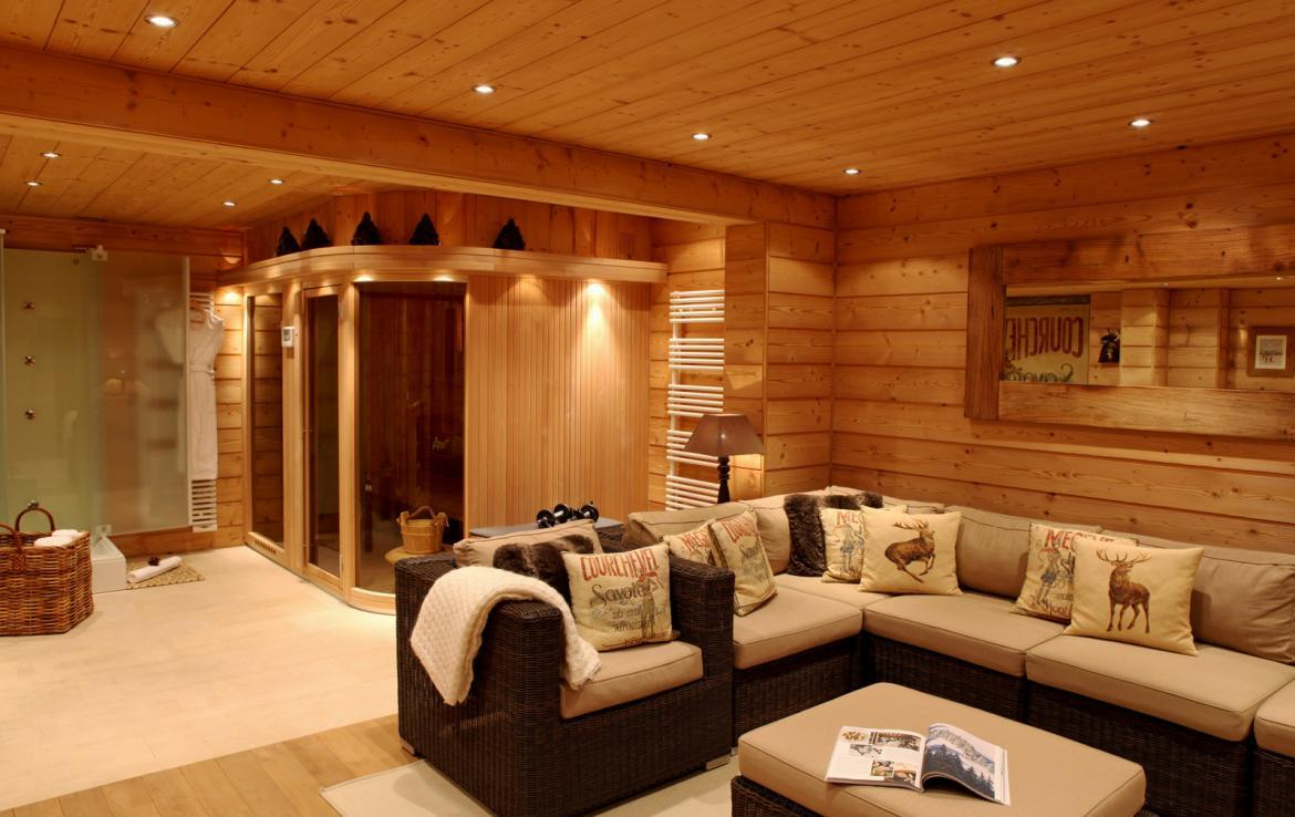 Kings-avenue-courchevel-sauna-jacuzzi-childfriendly-parking-boot-heaters-fireplace-ski-in-ski-out-kids-playroom-wine-cellar-balconies-terrace-courchevel-moriond-005-14