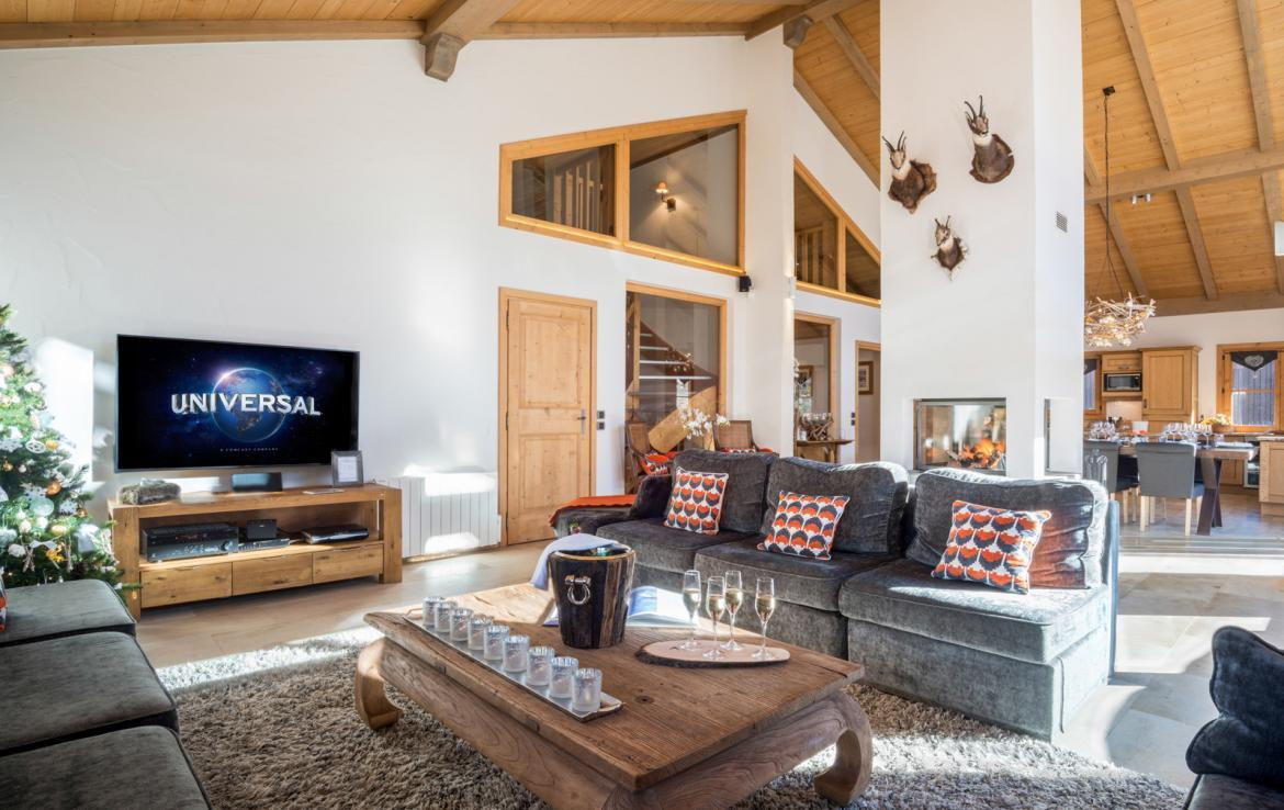 Kings-avenue-courchevel-sauna-jacuzzi-childfriendly-parking-boot-heaters-fireplace-ski-in-ski-out-kids-playroom-wine-cellar-balconies-terrace-courchevel-moriond-005-6