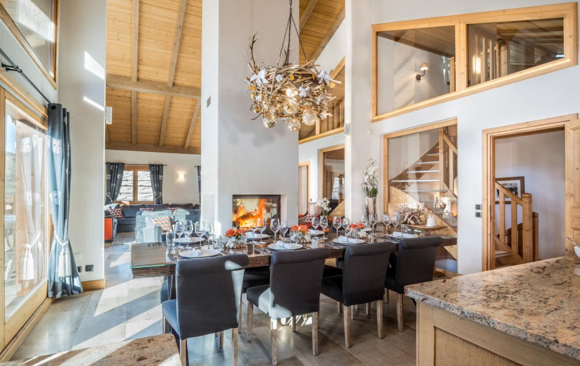 Kings-avenue-courchevel-sauna-jacuzzi-childfriendly-parking-boot-heaters-fireplace-ski-in-ski-out-kids-playroom-wine-cellar-balconies-terrace-courchevel-moriond-005-7