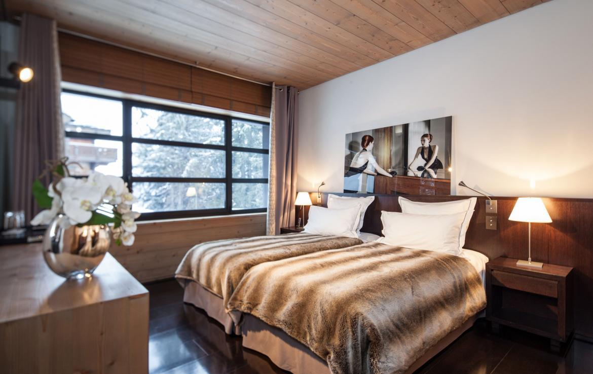Kings-avenue-courchevel-sauna-jacuzzi-hammam-childfriendly-parking-cinema-gym-boot-heaters-fireplace-ski-in-ski-out-area-courchevel-013-16