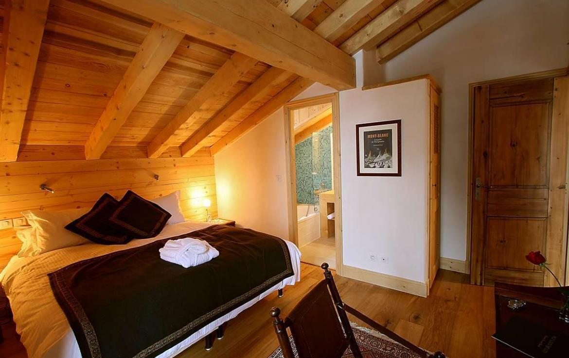 Kings-avenue-courchevel-sauna-jacuzzi-hammam-childfriendly-parking-kids-playroom-boot-heaters-fireplace-ski-in-ski-out-cinema-bar-massage-area-courchevel-004-14