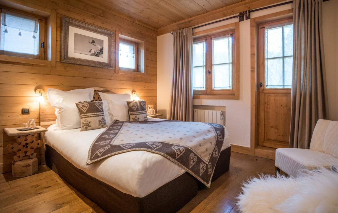 Kings-avenue-courchevel-sauna-jacuzzi-hammam-childfriendly-parking-kids-playroom-boot-heaters-fireplace-ski-in-ski-out-garden-terrace-bar-area-courchevel-moriond-006-13