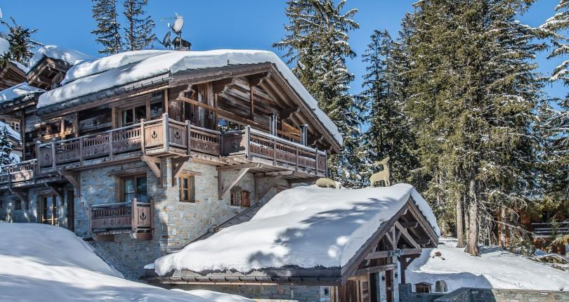 Kings-avenue-courchevel-sauna-jacuzzi-hammam-swimming-pool-childfriendly-parking-cinema-gym-boot-heaters-fireplace-lift-massage-room-area-courchevel-019-4