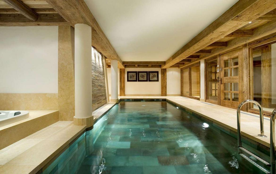 Kings-avenue-courchevel-sauna-jacuzzi-hammam-swimming-pool-childfriendly-parking-cinema-gym-boot-heaters-fireplace-ski-in-ski-out-lift-area-courchevel-021-6
