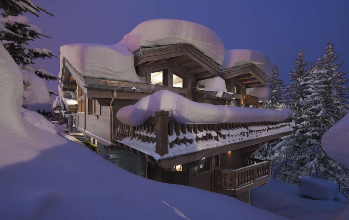Kings-avenue-courchevel-sauna-jacuzzi-hammam-swimming-pool-childfriendly-parking-cinema-gym-boot-heaters-fireplace-ski-out-lift-area-courchevel-014
