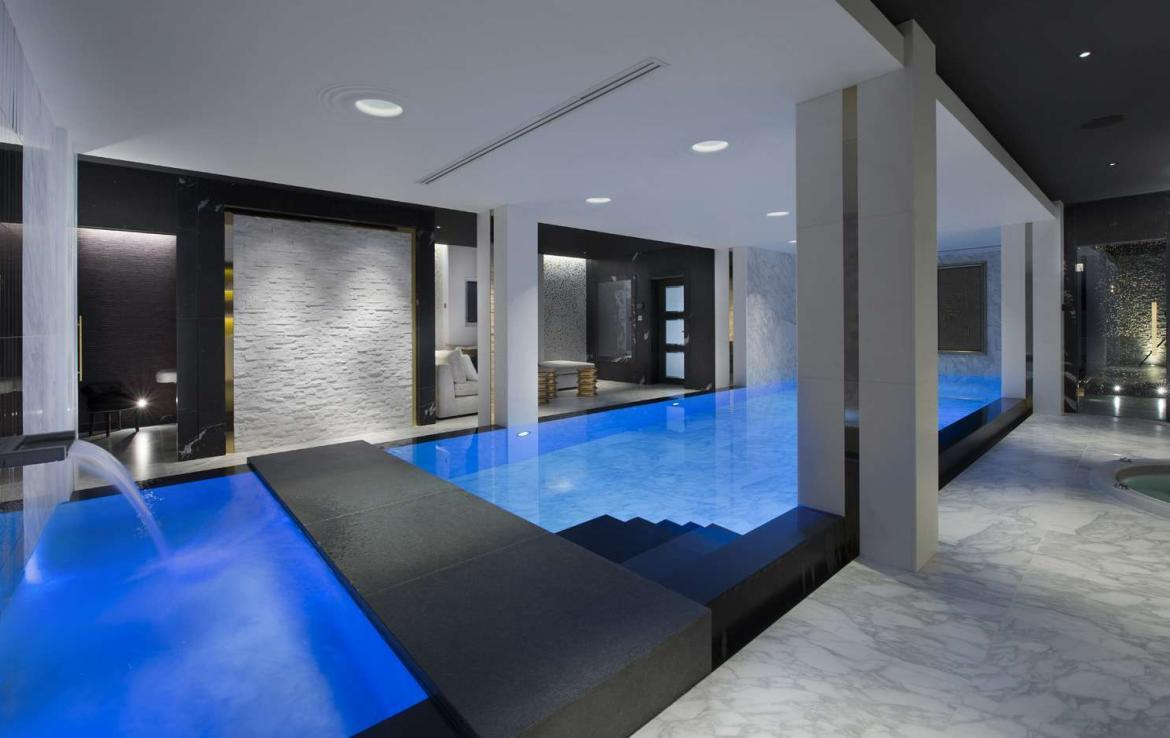 Kings-avenue-courchevel-sauna-jacuzzi-hammam-swimming-pool-childfriendly-parking-cinema-gym-boot-heaters-fireplace-ski-out-lift-area-courchevel-014-12