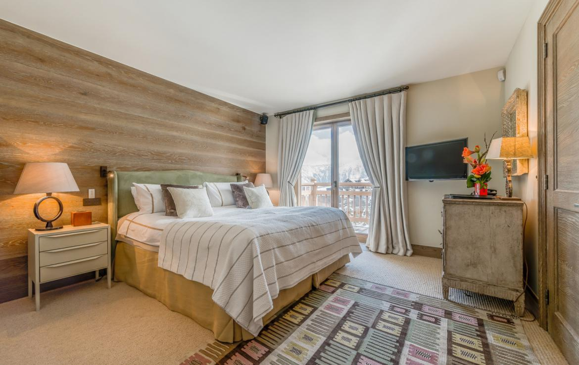 Kings-avenue-courchevel-sauna-jacuzzi-hammam-swimming-pool-childfriendly-parking-gym-boot-heaters-fireplace-ski-in-ski-out-massage-room-terrace-area-courchevel-022-14-1