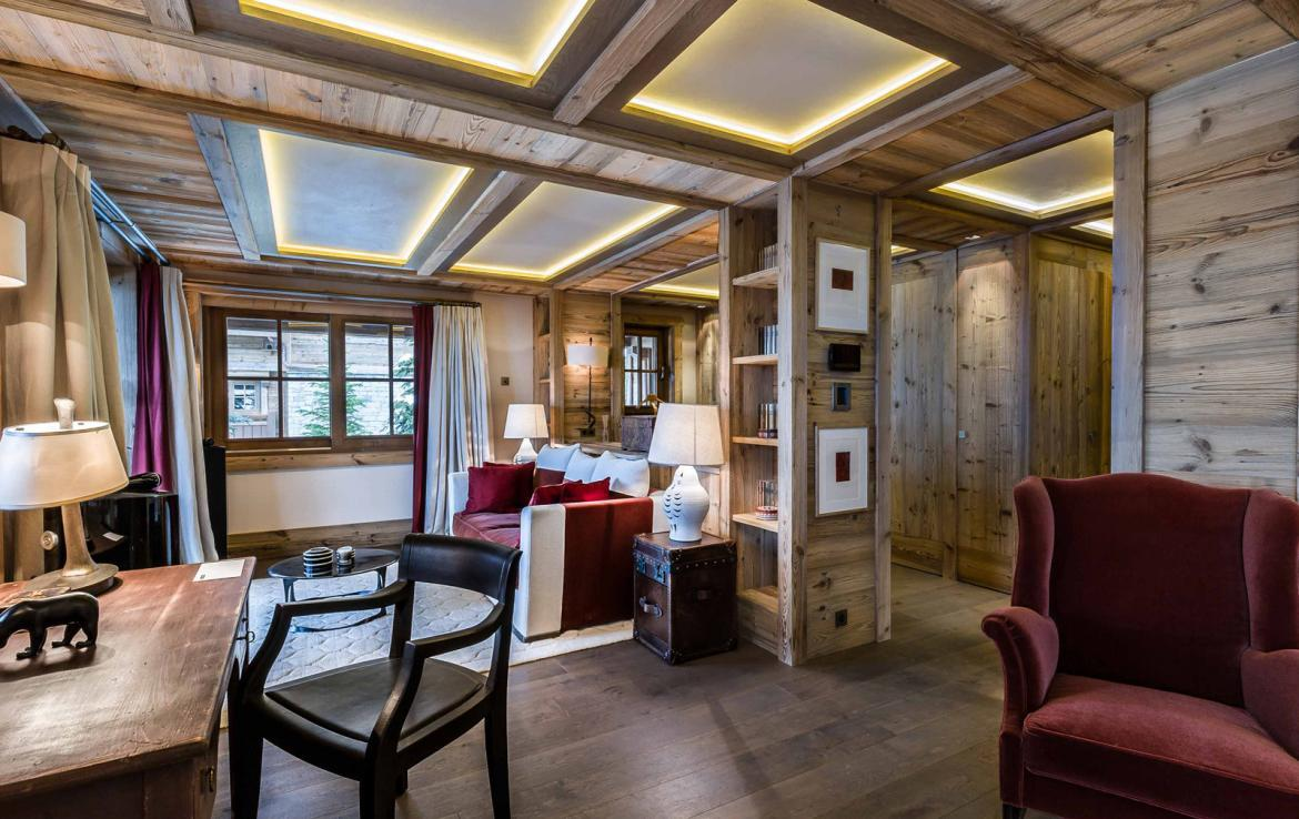Kings-avenue-courchevel-sauna-jacuzzi-hammam-swimming-pool-cinema-games-room-gym-boot-heaters-fireplace-ski-in-ski-out-wine-cellar-parking-lift-area-courchevel-017-10