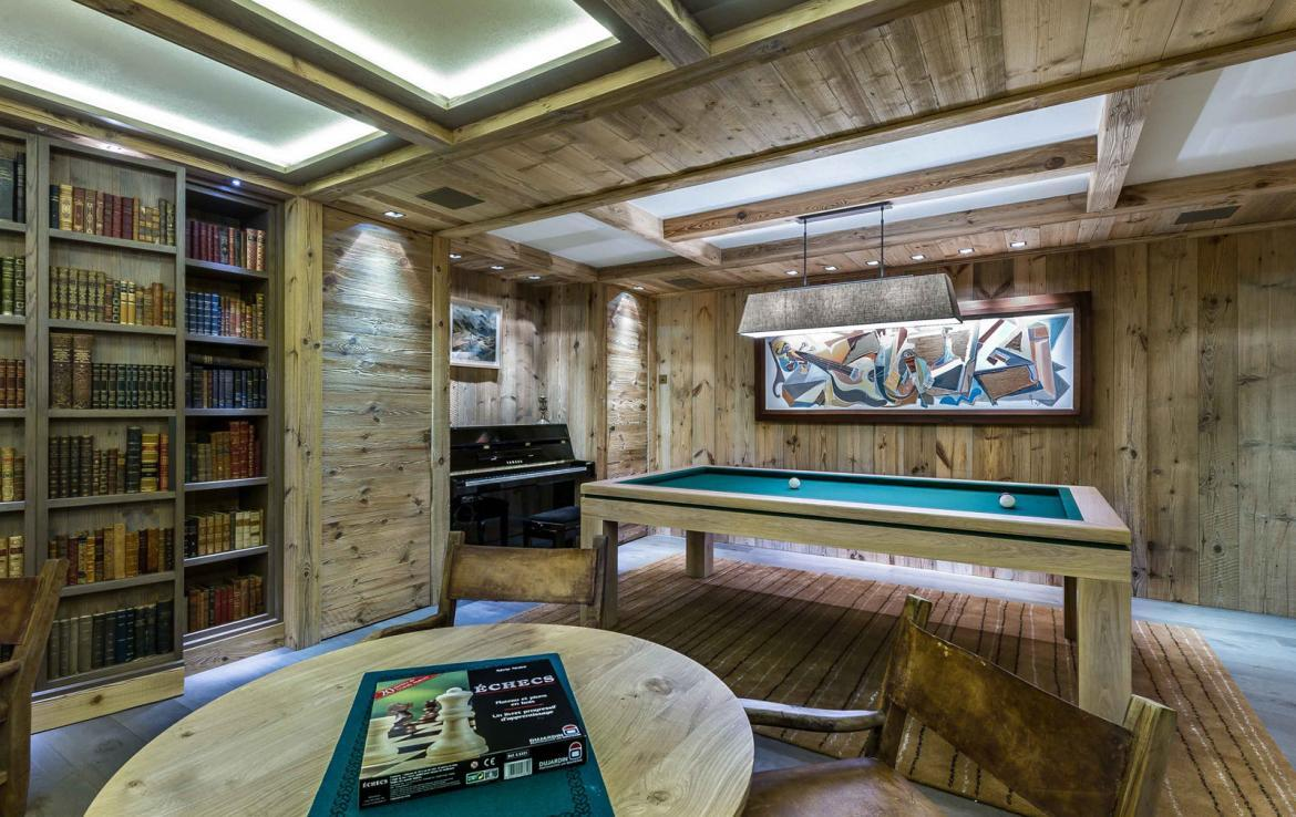 Kings-avenue-courchevel-sauna-jacuzzi-hammam-swimming-pool-cinema-games-room-gym-boot-heaters-fireplace-ski-in-ski-out-wine-cellar-parking-lift-area-courchevel-017-7