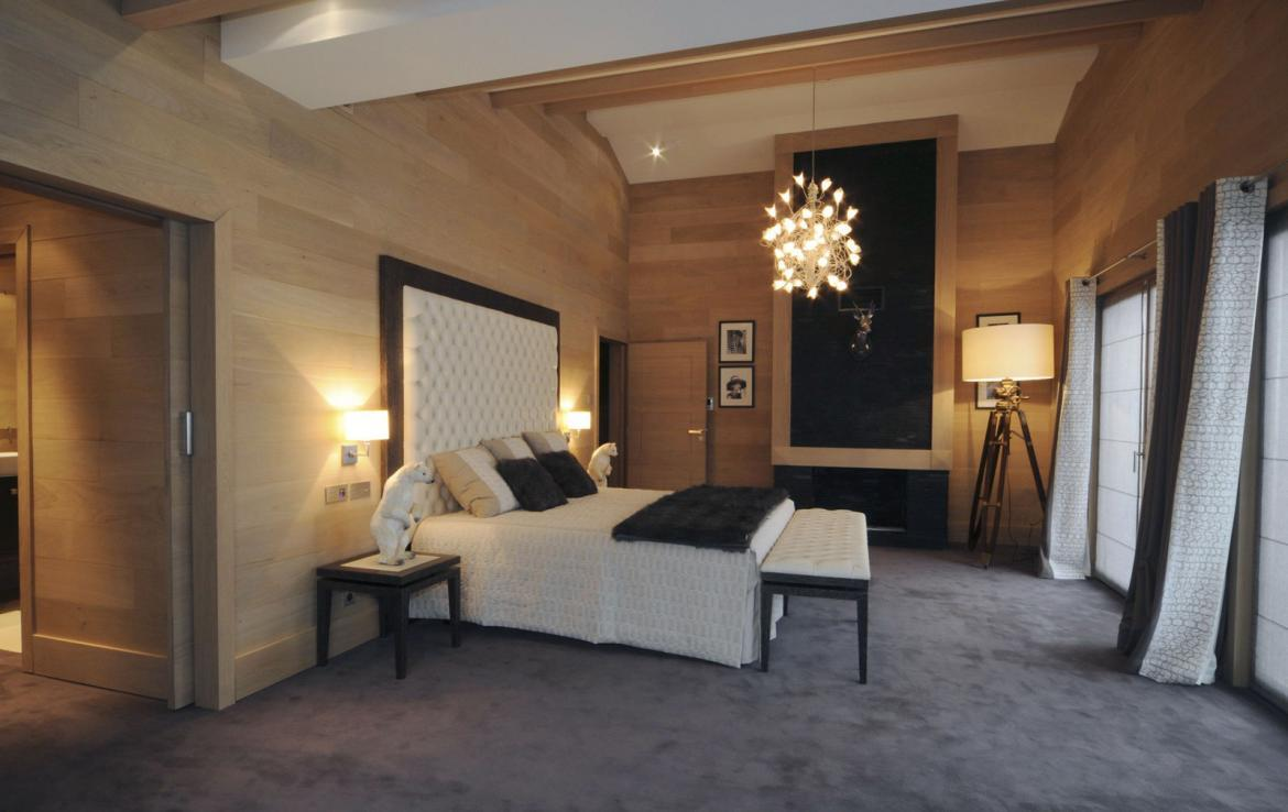 Kings-avenue-courchevel-sauna-jacuzzi-hammam-swimming-pool-covered-parking-fireplace-ski-in-ski-out-area-courchevel-002-7