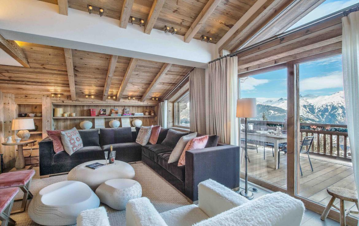 Kings-avenue-courchevel-sauna-jacuzzi-hammam-swimming-pool-gym-boot-heaters-fireplace-ski-in-ski-out-welness-area-bar-massage-room-lift-area-courchevel-024