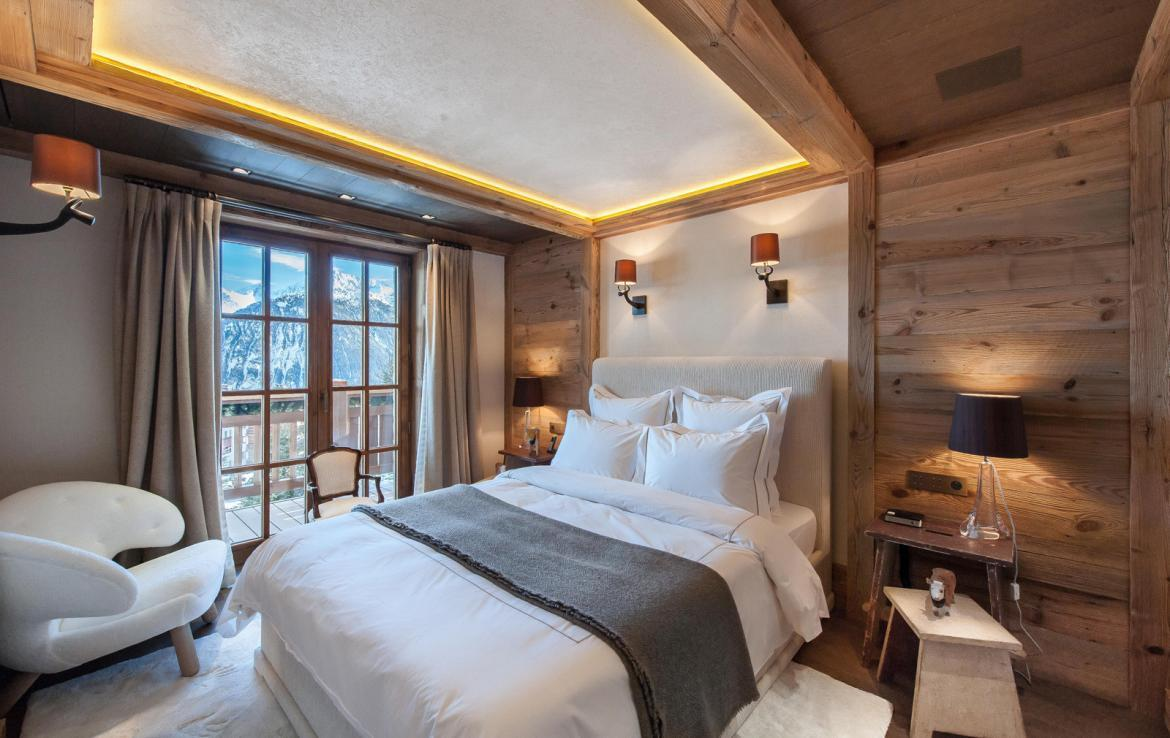 Kings-avenue-courchevel-sauna-jacuzzi-hammam-swimming-pool-gym-boot-heaters-fireplace-ski-in-ski-out-welness-area-bar-massage-room-lift-area-courchevel-024-12