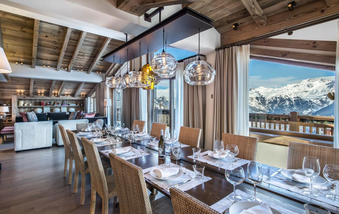 Kings-avenue-courchevel-sauna-jacuzzi-hammam-swimming-pool-gym-boot-heaters-fireplace-ski-in-ski-out-welness-area-bar-massage-room-lift-area-courchevel-024-4