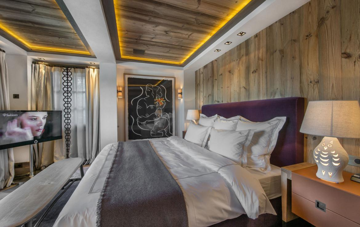 Kings-avenue-courchevel-sauna-jacuzzi-hammam-swimming-pool-gym-boot-heaters-fireplace-ski-in-ski-out-welness-area-bar-massage-room-lift-area-courchevel-024-9
