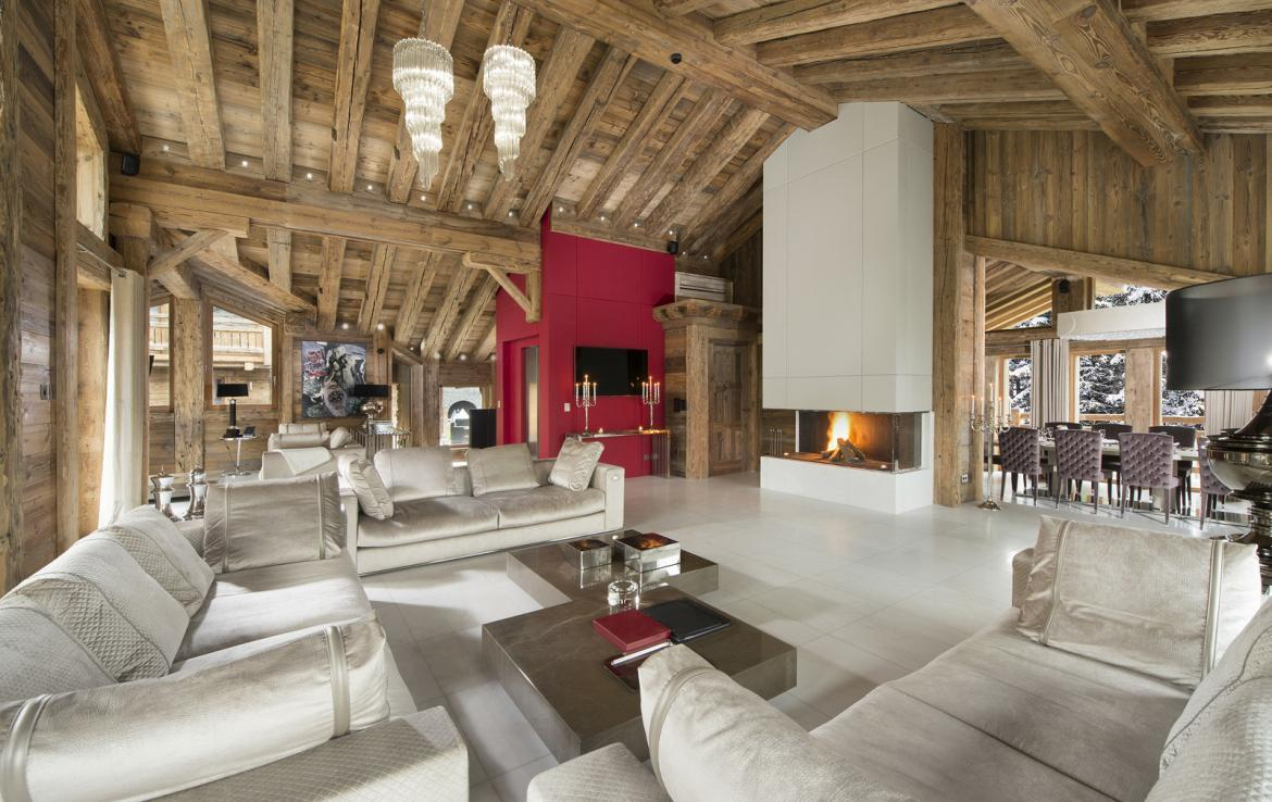 Kings-avenue-courchevel-sauna-jacuzzi-hammam-swimming-pool-gym-boot-heaters-fireplace-spa-massage-room-hair-salon-lift-party-bar-wince-cellararea-courchevel-018-2