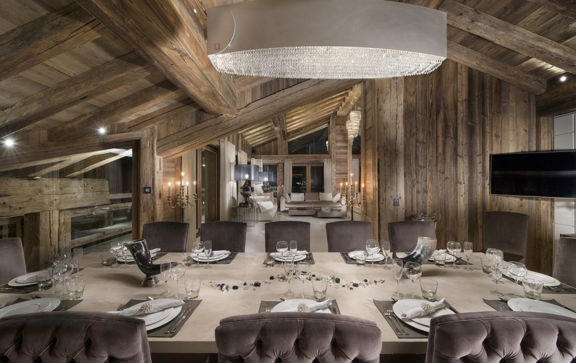 Kings-avenue-courchevel-sauna-jacuzzi-hammam-swimming-pool-gym-boot-heaters-fireplace-spa-massage-room-hair-salon-lift-party-bar-wince-cellararea-courchevel-018-4