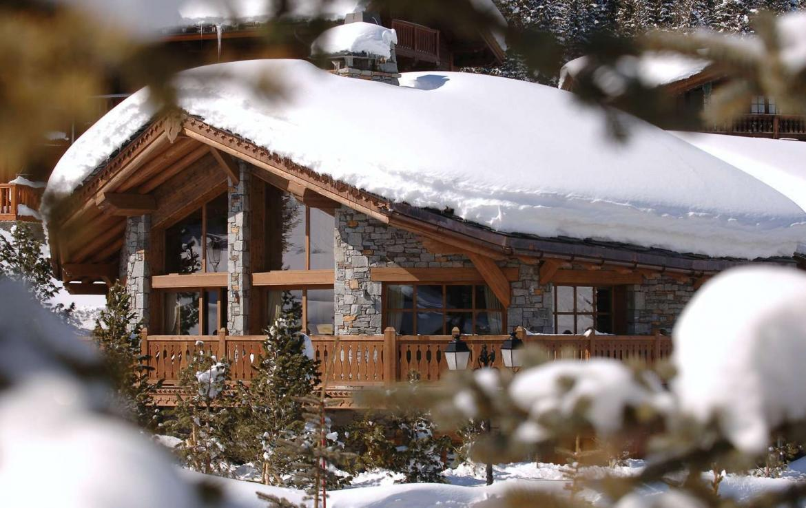 Kings-avenue-courchevel-tv-hifi-wifi-satelitte-jacuzzi-childfriendly-parking-games-room-gym-fireplace-ski-in-ski-out-massage-room-area-courchevel-026