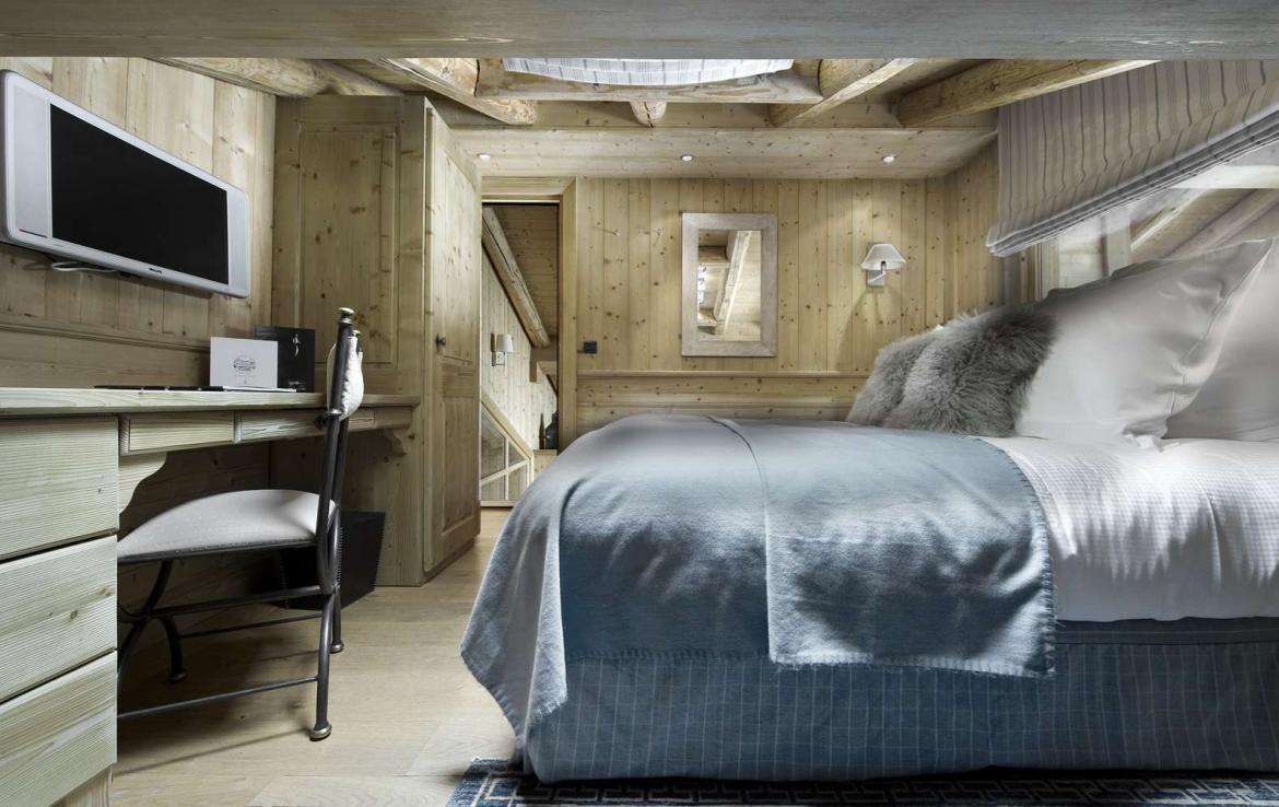 Kings-avenue-courchevel-tv-hifi-wifi-satelitte-jacuzzi-childfriendly-parking-games-room-gym-fireplace-ski-in-ski-out-massage-room-area-courchevel-026-12