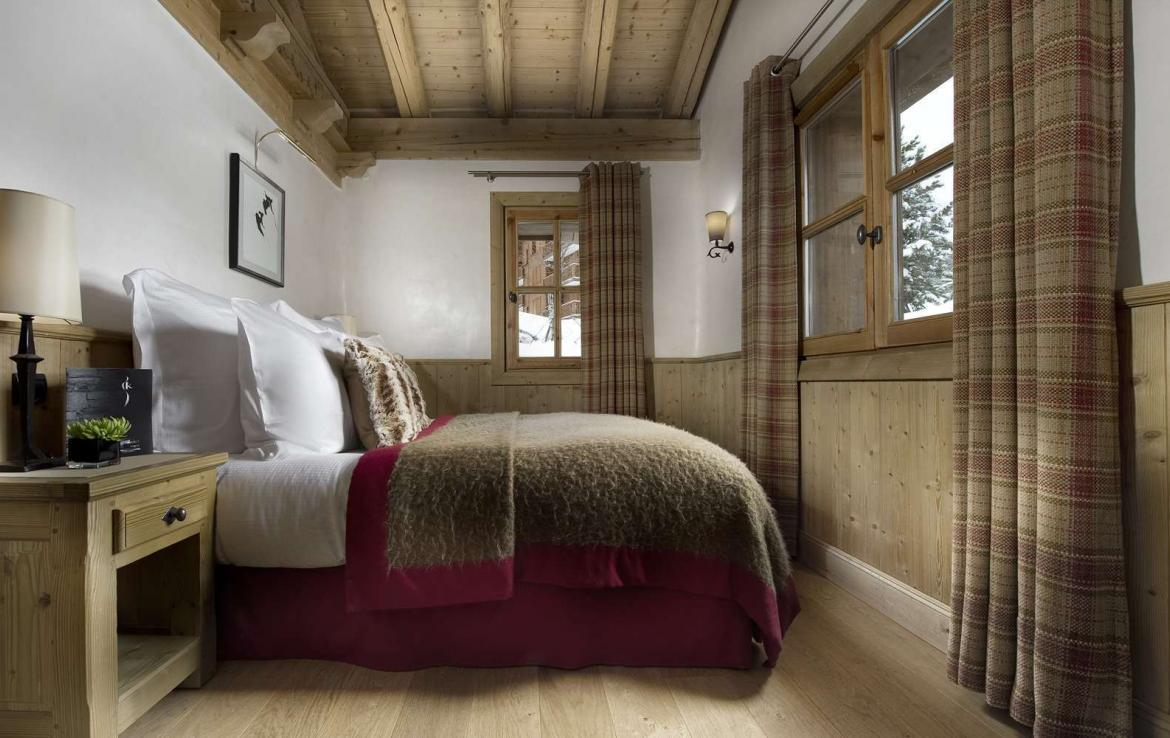 Kings-avenue-courchevel-tv-hifi-wifi-satelitte-jacuzzi-childfriendly-parking-games-room-gym-fireplace-ski-in-ski-out-massage-room-area-courchevel-026-8