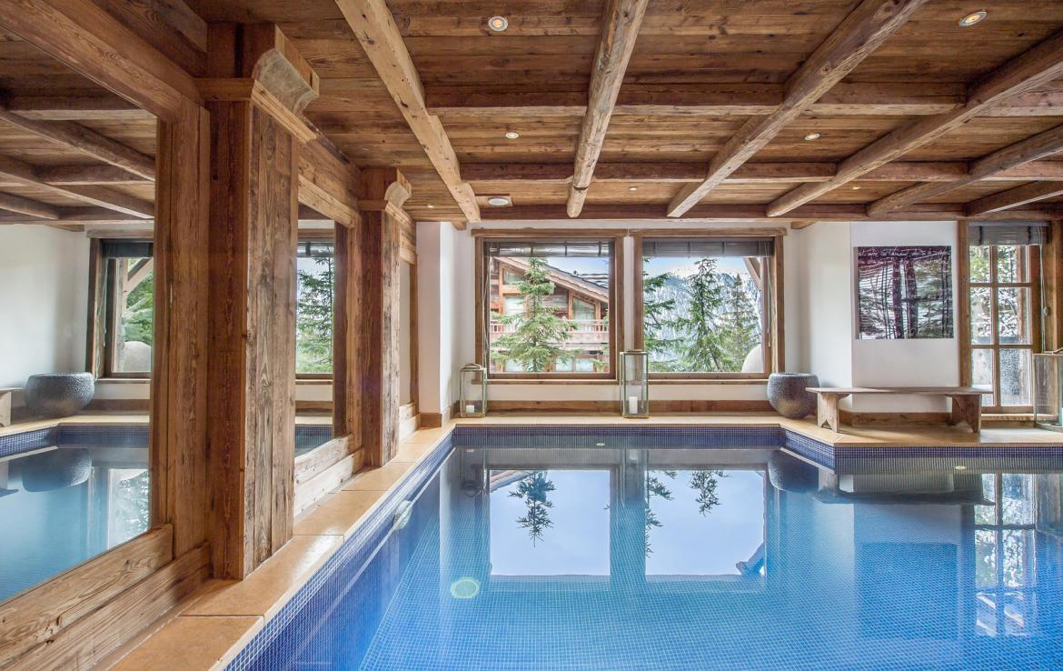 Kings-avenue-courchevel-wifi-satelitte-jacuzzi-hammam-swimming-pool-childfriendly-parking-cinema-gym-boot-heaters-fireplace-stunning-views-area-courchevel-020-15