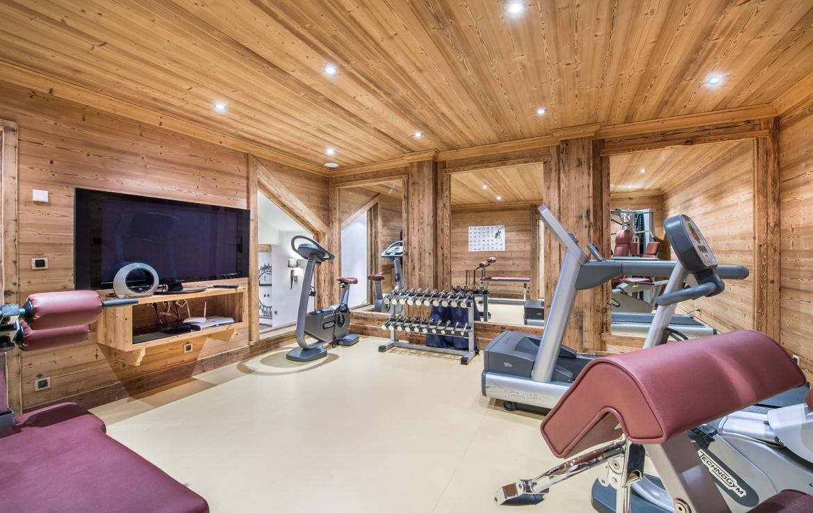Kings-avenue-courchevel-wifi-satelitte-jacuzzi-hammam-swimming-pool-childfriendly-parking-cinema-gym-boot-heaters-fireplace-stunning-views-area-courchevel-020-18