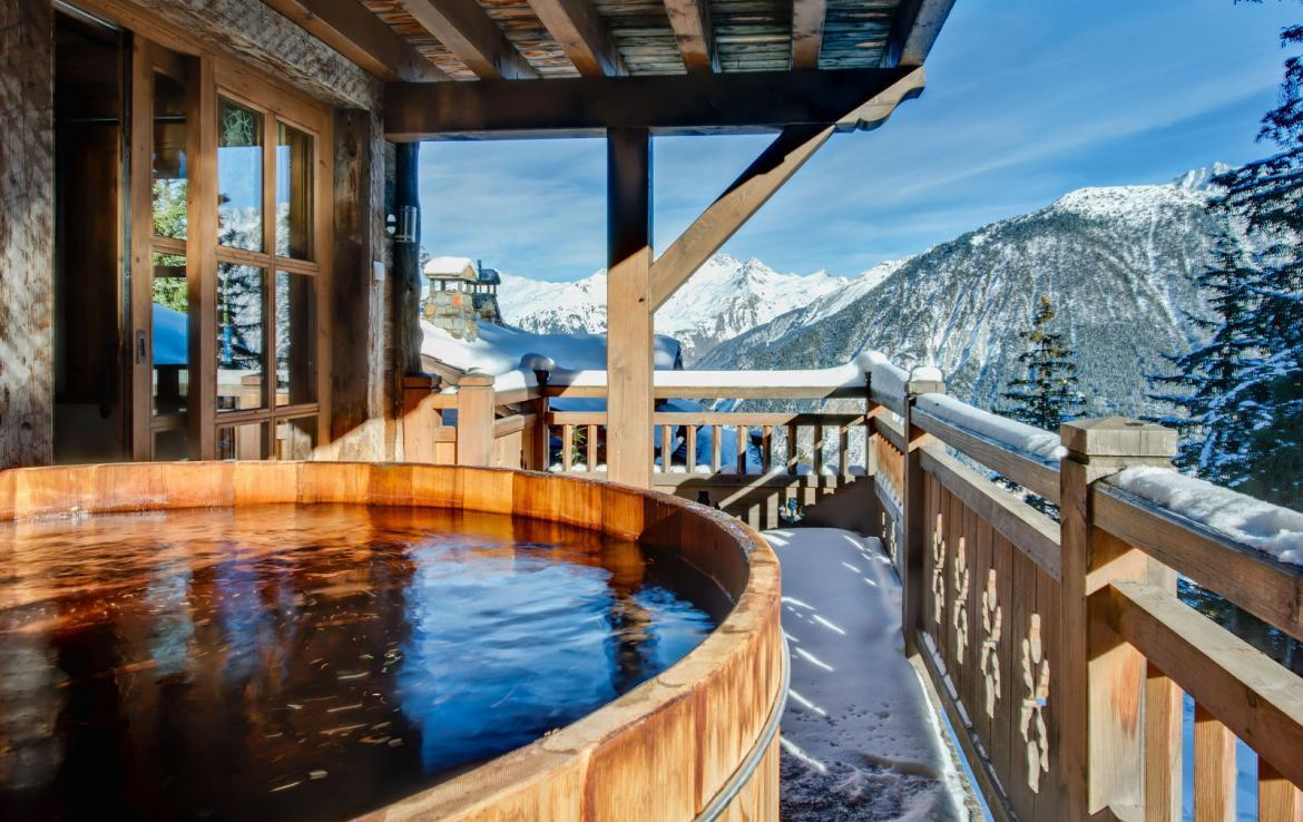 Kings-avenue-courchevel-wifi-satelitte-jacuzzi-hammam-swimming-pool-childfriendly-parking-cinema-gym-boot-heaters-fireplace-stunning-views-area-courchevel-020-19