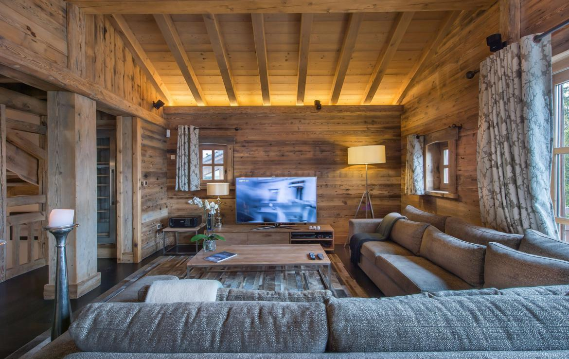 Kings-avenue-courchevel-wifi-satelitte-jacuzzi-hammam-swimming-pool-childfriendly-parking-cinema-gym-boot-heaters-fireplace-stunning-views-area-courchevel-020-6