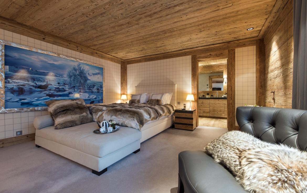 Kings-avenue-gstaad-hammam-swimming-pool-covered-parking-boot-heaters-fireplace-sound-system-area-gstaad-003-24