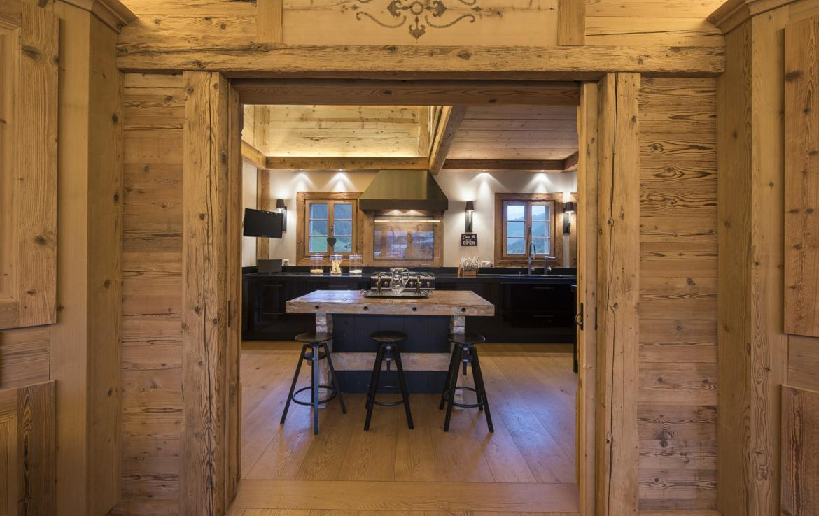 Kings-avenue-gstaad-sauna-hammam-childfriendly-parking-kids-playroom-games-room-gym-fireplace-cinema-plunge-pool-area-gstaad-004-10