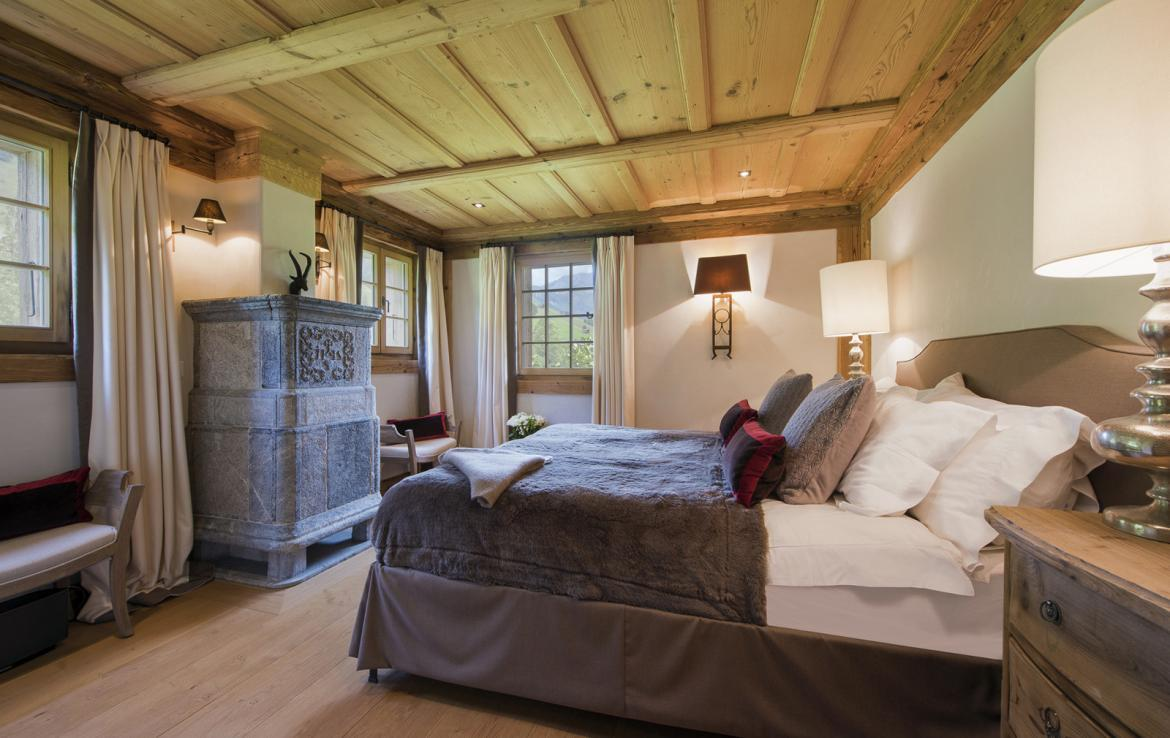 Kings-avenue-gstaad-sauna-hammam-childfriendly-parking-kids-playroom-games-room-gym-fireplace-cinema-plunge-pool-area-gstaad-004-19