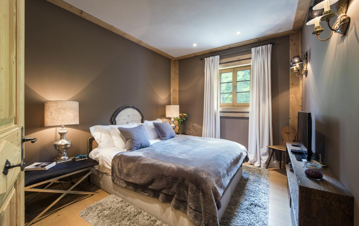 Kings-avenue-gstaad-sauna-hammam-childfriendly-parking-kids-playroom-games-room-gym-fireplace-cinema-plunge-pool-area-gstaad-004-20